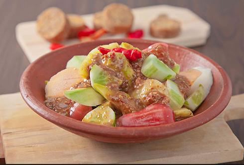 resep dan cara membuat rujak buah yang sangat menyegarkan