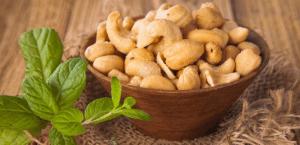 Resep Sederhana Membuat Kacang Mete Pedas Manis Renyah