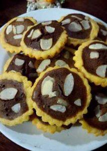 Kue Pie Cokelat Kacang