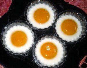 Membuat Puding Telur Mata Sapi