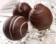membuat-kue-coklat-bulat-enak